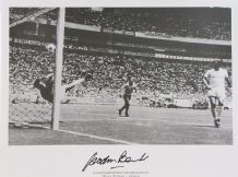 Gordon Banks Autograph Signed Photo - Pele Save